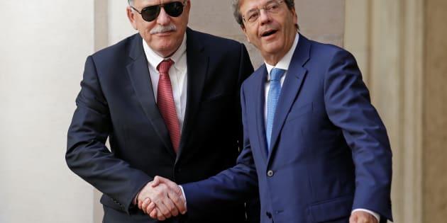 Al Sarraj chiede a Gentiloni navi italiane nelle acque della Libia