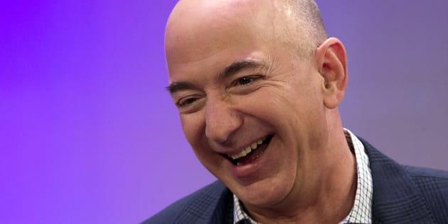 Jeff Bezos, propriétaire d'Amazon, devient l'homme le plus riche du monde