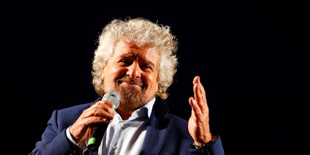 Beppe Grillo, the founder of the anti-establishment 5-Star Movement, talks during a march in support of the 'No' vote in the upcoming constitutional reform referendum in Rome, Italy November 26, 2016. REUTERS/Remo Casilli