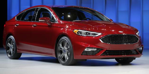 Ford llama a revisión 1.3 millones de autos