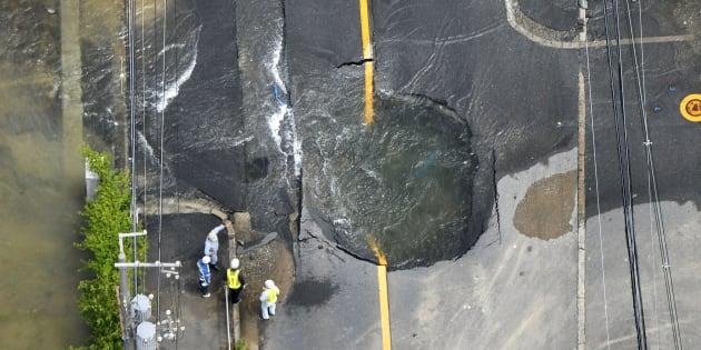 Terremoto a Osaka, tre morti e 100 feriti