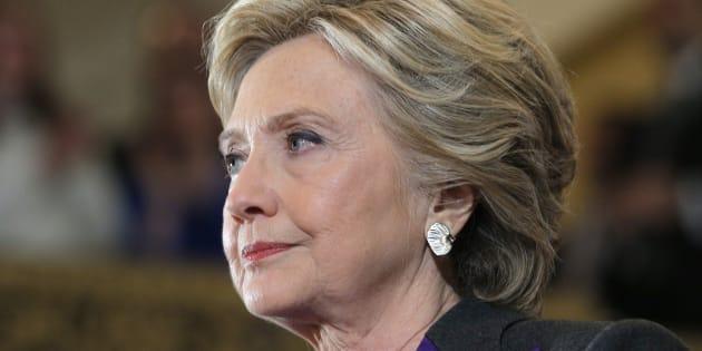 Hillary Clinton s'adresse à ses soutiens après la victoire de Donald Trump à l'élection présidentielle, le 9 novembre 2016.
