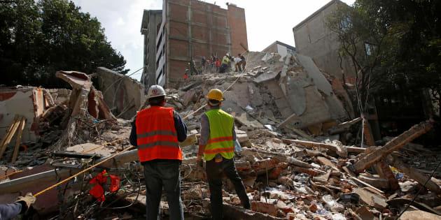 Várias cidades do México estão com os imóveis desabados, semáforos sem funcionar e destruição por toda parte.