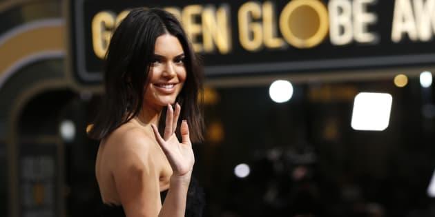 Moquée pour son acné aux Golden Globes, Kendall Jenner répond fièrement