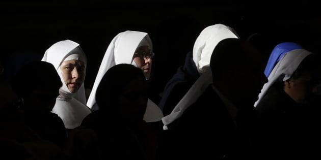 Suore sfruttate da cardinali e vescovi: articolo shock dell'Osservatore Romano