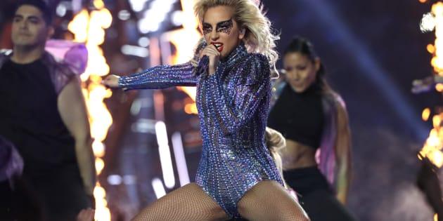 Performance de Lady Gaga ganhou elogios na internet
