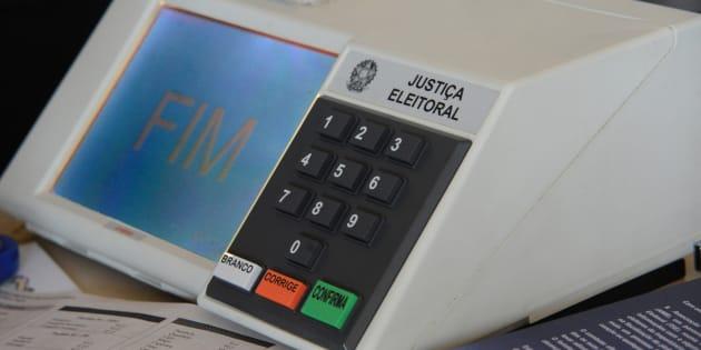 'Volta' do voto impresso não elimina urnas eletrônicas.