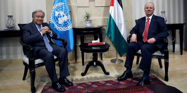 El secretario general de la ONU, Antonio Guterres, y el primer ministro de Palestiba, Rami Hamdallah, durante su reunión en Ramala.