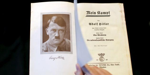 """La réédition du """"Mein Kampf"""" d'Adolf Hitler connaît un grand succès en Allemagne."""