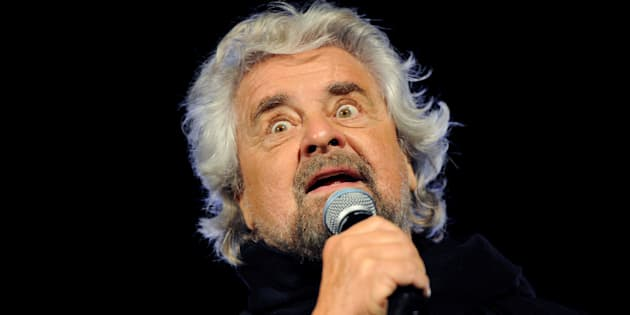 5-Star movement founder Beppe Grillo speaks during the final rally for the regional election in Palermo, Italy, November 3, 2017. REUTERS/Guglielmo Mangiapane