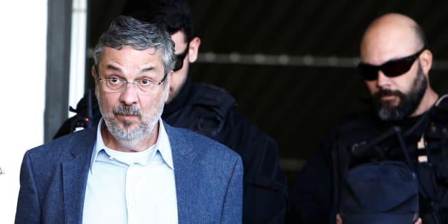O ex-ministro está detido na carceragem da Polícia Federal (PF) de Curitiba.