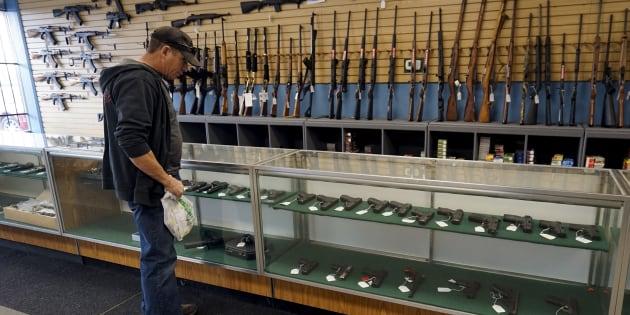 Walmart chiude la vendita di armi ai minori di 21 anni