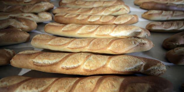 Baguetes na confeitaria Le Capitole, em Nice, no sul da França.