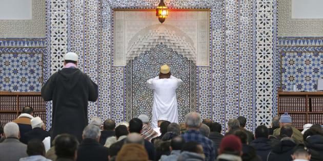 Des musulmans à la mosquée de Strasbourg en 2016