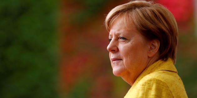 Mme Merkel a fait ses études en physique avec une thèse de doctorat sur la physique quantique et la chimie théorique.
