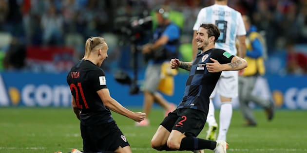 Soccer Football - World Cup - Group D - Argentina vs Croatia - Nizhny Novgorod Stadium, Nizhny Novgorod, Russia - June 21, 2018   Croatia's Domagoj Vida and Sime Vrsaljko celebrate after the match    REUTERS/Matthew Childs