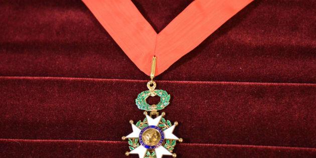 La promotion de Pâques de la Légion d'honneur, dernière de la présidence Hollande, décore Laurent Fabius, François Pinault ou encore Audrey Tautou
