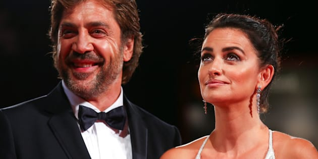 "Actors Penelope Cruz and Javier Bardem pose during a red carpet event for the movie ""Loving Pablo"" at the 74th Venice Film Festival in Venice, Italy September 6, 2017. REUTERS/Alessandro Bianchi"