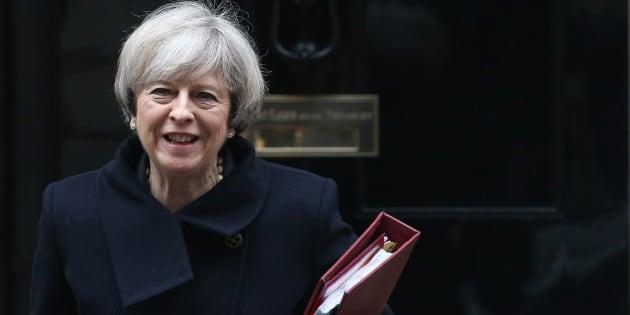 La Première ministre britannique Theresa May quitte son domicile du 10 Downing Street à Londres, le 1er février 2017.