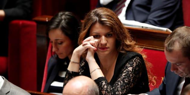 Les féministes crient victoire après le retrait d'un article contesté de la loi de Marlène Schiappa contre les violences sexuelles.