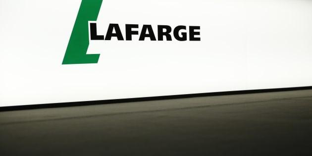 """Trois cadres de Lafarge mis en examen pour """"financement d'une entreprise terroriste"""""""