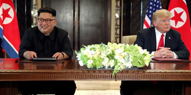 Donald Trump et Kim Jong Un, lors du sommet historique à Singapour le 12 juin 2018.