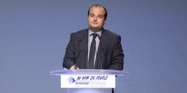 Rachline profite du journal de Fréjus pour moquer l'interview de Macron par Delahousse.