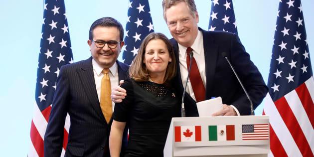 El Secretario de Economía de México, Ildefonso Guajardo; la Ministra de Asuntos Exteriores de Canadá, Chrystia Freeland, y el Representante Comercial de Estados Unidos, Robert Lighthizer, tras la conferencia de prensa de la 7ma ronda de negociaciones del TLCAN.