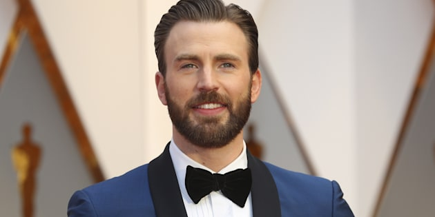 Looks aside, we can all agree that what makes Chris Evans great is his warm personality and kind heart.