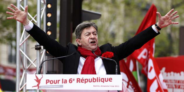 Touché mais pas coulé par la victoire de Benoît Hamon à la primaire, Jean-lUc Mélenchon mise sur sa campagne hors norme pour s'imposer à gauche.