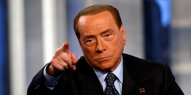 """Italy's former Prime Minister Silvio Berlusconi gestures as he attends television talk show """"Porta a Porta"""" (Door to Door) in Rome, Italy, November 30, 2016. REUTERS/Remo Casilli     TPX IMAGES OF THE DAY"""