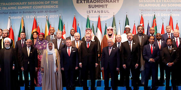 Leaders and representatives of the Organisation of Islamic Cooperation (OIC) member states pose for a group photo during an extraordinary meeting in Istanbul, Turkey, December 13, 2017. REUTERS/Osman Orsal