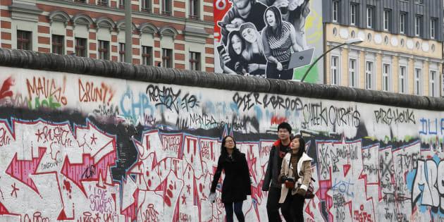 Une partie du mur de Berlin reconstitué (illustration)