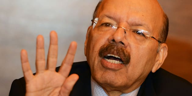 Nasim Zaidi, India's chief election commissioner, takes part in a press conference after meeting different political party members in Kolkata on 14 April, 2016.