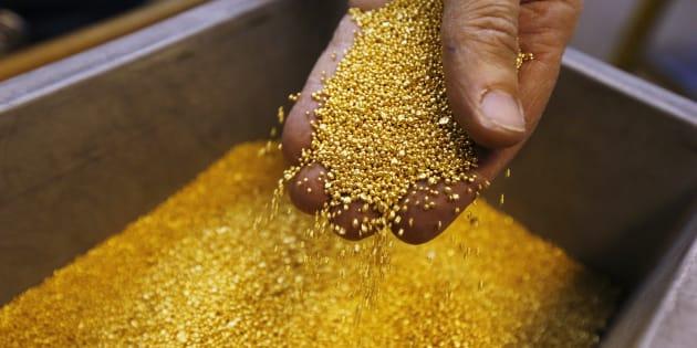 (イメージ画像)バレルナの金製品製造工場で2012年12月撮影