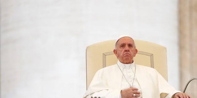 Papa: pensioni d'oro offesa al lavoro. Urgente un nuovo patto sociale