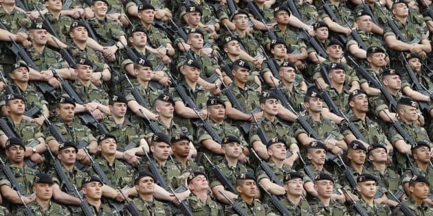 Un grupo de paracaidistas, en la base de Paracuellos del Jarama (Madrid), en 2010.