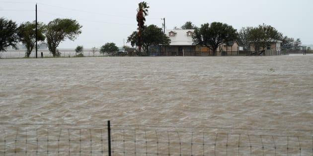 """Harvey rétrogradé en tempête tropicale, la reconstruction prendra """"des années"""""""