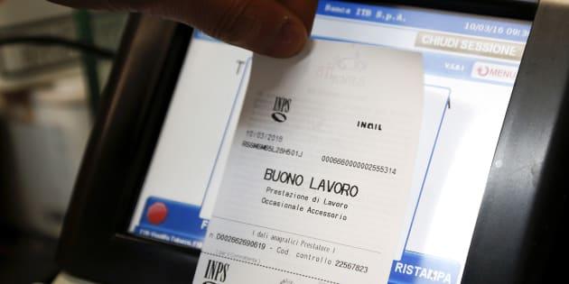 Dl manovra: via libera ai nuovi voucher, Mdp vota contro
