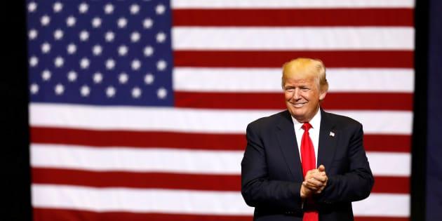 """Donald Trump a une """"idée"""" pour son mur avec le Mexique: un """"mur solaire"""""""