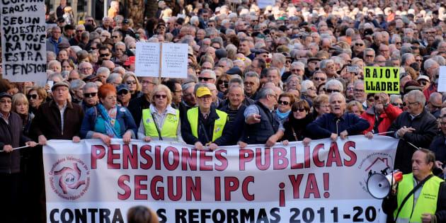 Cientos de pensionistas se manifiestan en Valencia por unas pensiones dignas el pasado 22 de marzo.