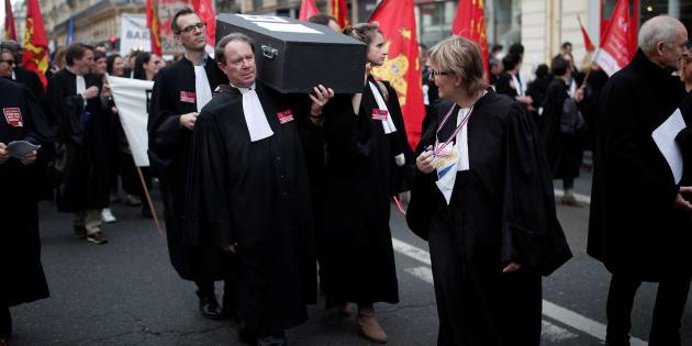 Les 2 raisons  inavouées du gouvernement de réformer le monde de la justice.