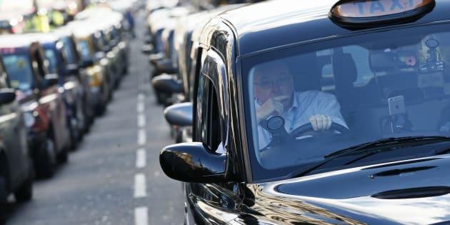 Après la France, le Royaume-Uni veut à son tour bannir la vente des voitures diesel et essence d'ici 2040