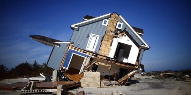 Una casa danneggiata dall'uragano Sandy in New Jersey