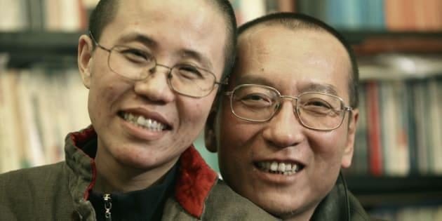 Liu Xiaobo y su esposa Liu Xia, en una foto tomada en 2010 en un lugar sin confirmar.