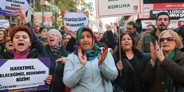 Face à la polémique, la Turquie renonce à sa loi sur les agressions sexuelles sur mineurs