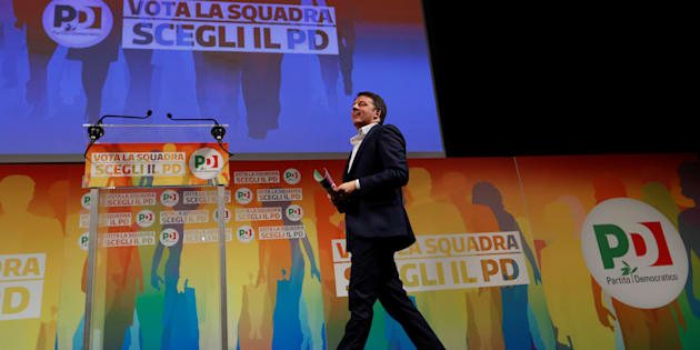 Italy's ruling centre-left Democratic Party (PD) leader Matteo Renzi arrives to talk during an electoral rally in Rome, Italy February 5, 2018. REUTERS/Remo Casilli