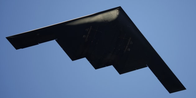 ステルス爆撃機B-2
