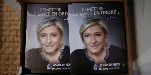 À toi qui veux voter FN pour retourner la table! REUTERS/Stephane Mahe
