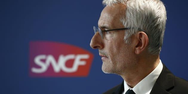 Face au gouvernement, le patron de la SNCF, met en jeu son mandat après les incidents de ces dernières semaines.